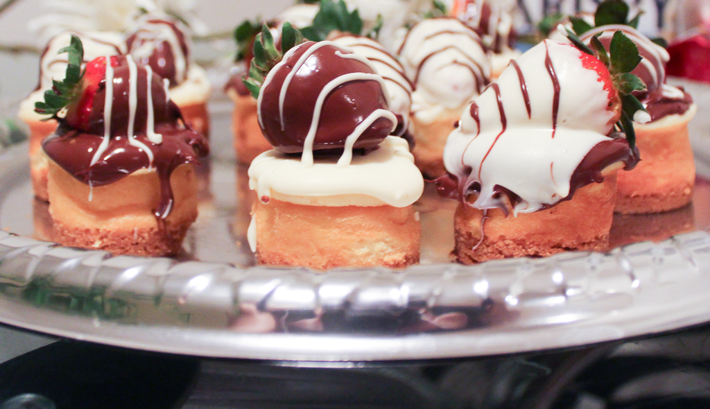 Chocolate Covered Strawberry Mini Cheesecake-2