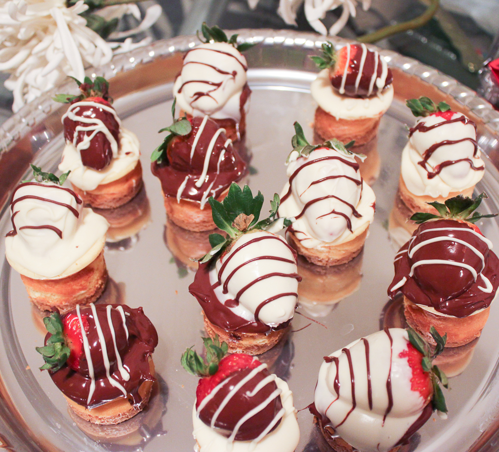 Chocolate Covered Strawberry Mini Cheesecake